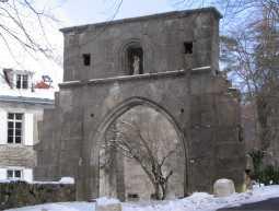 Porte de l'Abbaye de Pomier